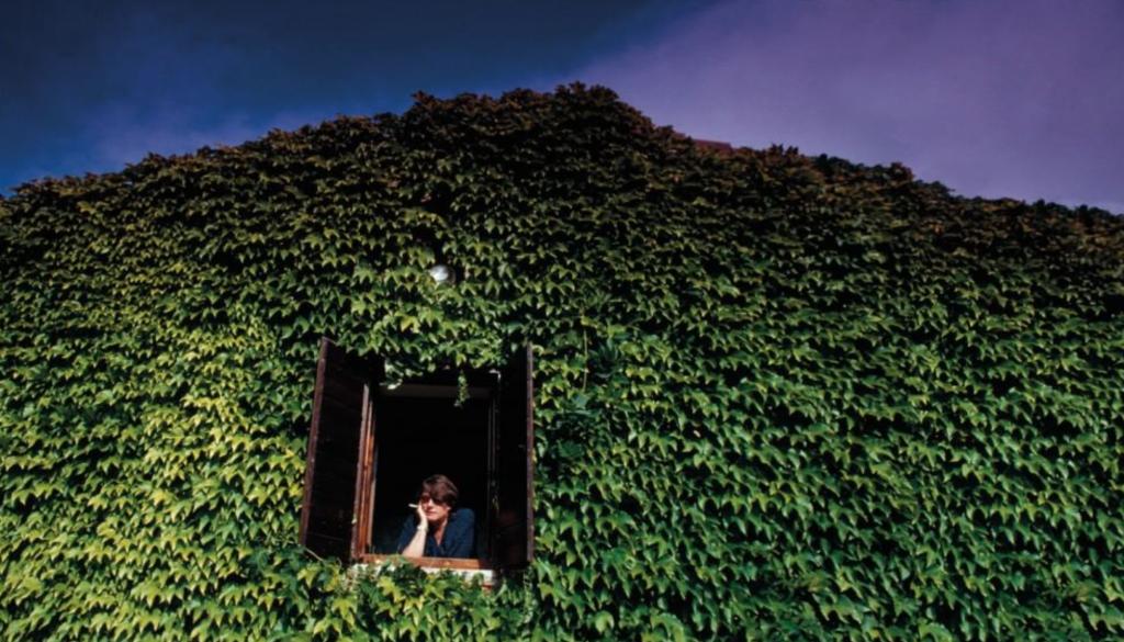 Fabrizio de André auf seinem Anwesen 'L'Agnata' in der Gallura.         Foto: Microcinema
