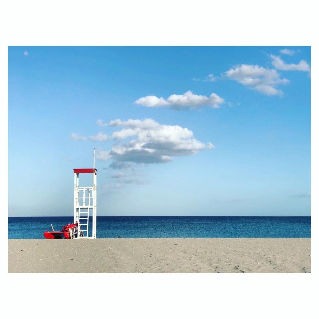 Dieses Bild hat ein leeres Alt-Attribut. Der Dateiname ist Poetto-Cagliari-Foto-Fiorsa-1024x1024.jpg